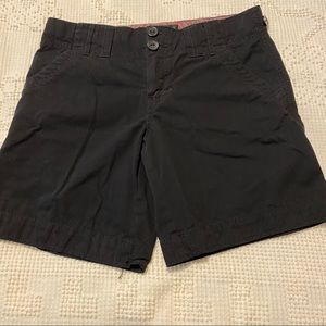 ❤️2/$20🎉 Sanctuary Bermuda shorts! Size 28